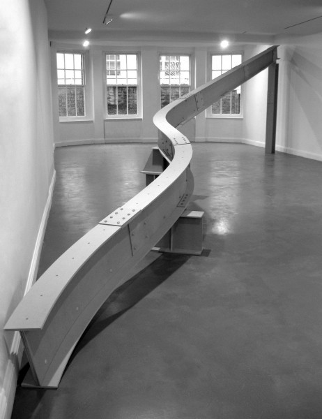 I-beam to walk under: Fig.1, MDF, bolts, screws, paint, 260 x 1000 x 18cm, 2010. © Frances Richardson, photo courtesy the artist