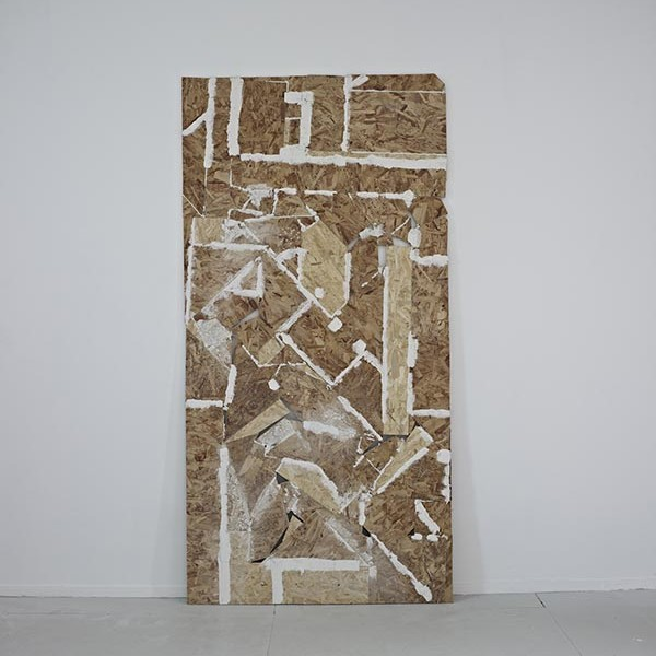 Untitled (OSB), 2013, sterling board, filler, glue, chalk 122 x 240cm. Photo: David Lawson. Image courtesy of the artist and Workplace Gallery, UK