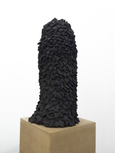 Column, 2012, patinated ceramic , 41 x 21 x 21cm, © the artist courtesy Federica Schiavo Gallery, Rome
