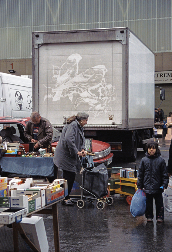 The Great Travelling Art Exhibition – Bird Truck Drawing I, 2001, drawing in dirt on haulage truck, 650 x 246 x 341cm, © the artist