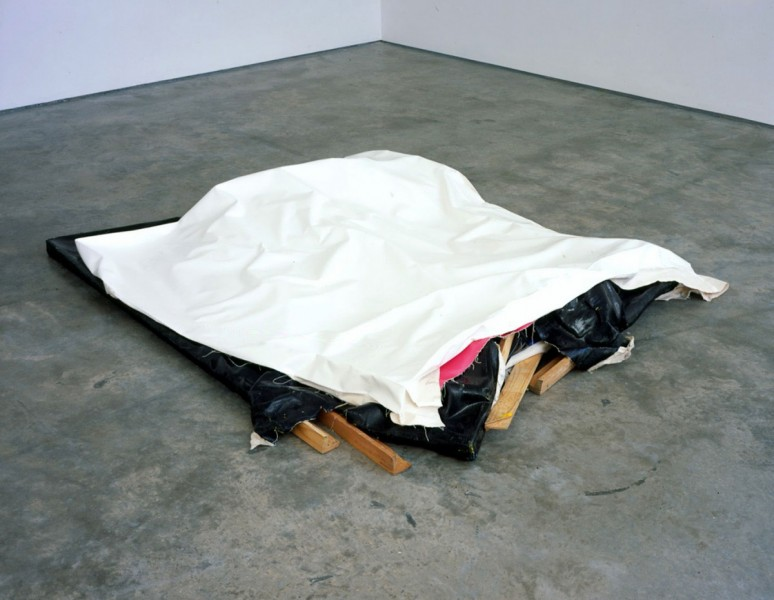 Clutter VI (White Blanket), 2004, oil and acrylic on canvas, 54 x 200 x 247cm (approximately), image courtesy the artist and Lisson Gallery, London