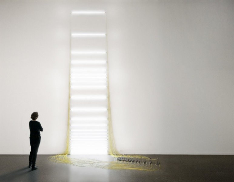 Drawing: Tidal Topography 10, 2012, fluorescent light installation, 800 x 300 x 200cm, © the artist