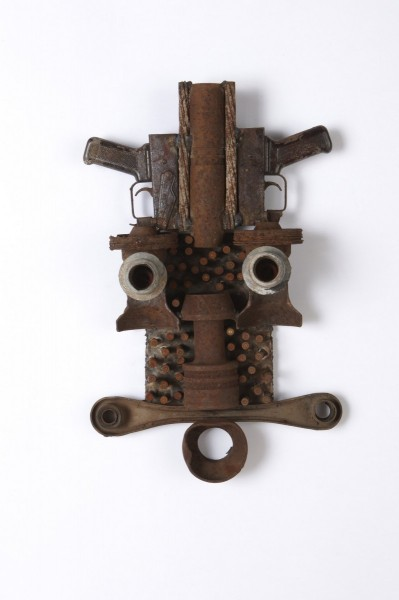 Goncalo Mabunda, Untitled (Mask), 2013, decommissioned welded arms. Image courtesy Jack Bell Gallery, London