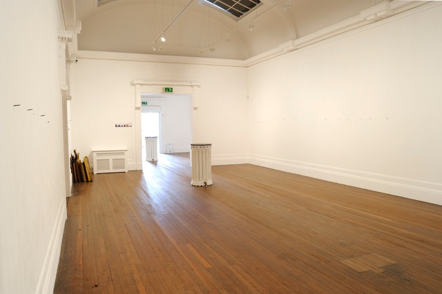 Maeve Rendle, Unframe Installation. Image courtesy the artist and the Grundy Art Gallery