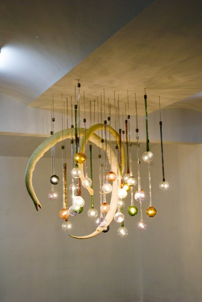 Secession Chandelier, 2010, Glass, brass, LED lights, metal wire, taxidermied albino snakes, 35 pieces, 72-92 cm long