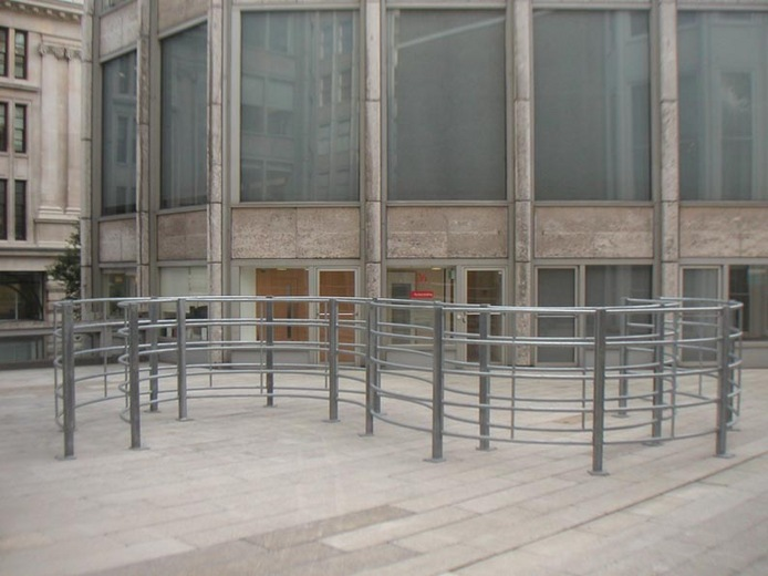 Keith Wilson, Double-Blind S-Bend, The Economist Plaza, 2005. Image courtesy the artist, © the artist