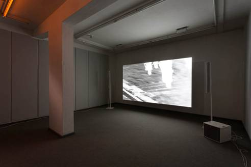 James Richards, Raking Light, 2014, single channel video, 5 minutes 31 seconds. Installation view, Raking Light, Cabinet, London, October 11 – December 6, 2014. Photograph by Mark Blower. Courtesy the artist and Cabinet, London. © the artist.