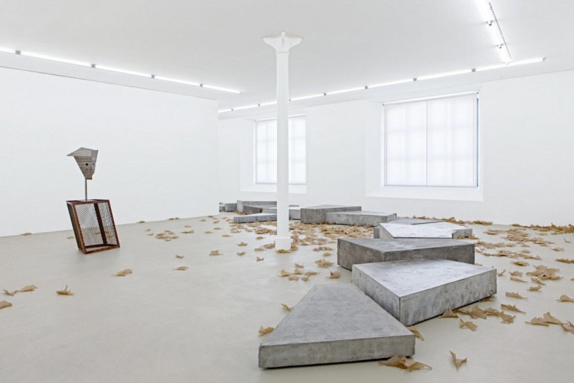 Martin Boyce, There are Places, A River in the Trees, 2009. Sammlung Köser, Köln, Courtesy of The Modern Institute/Toby Webster Ltd, Glasgow; Galerie Eva Presenhuber, Zürich; Johnen Galerie, Berlin and Tanya Bonakdar Gallery, New York. Photo: Museum für Gegenwartskunst, Gina Folly