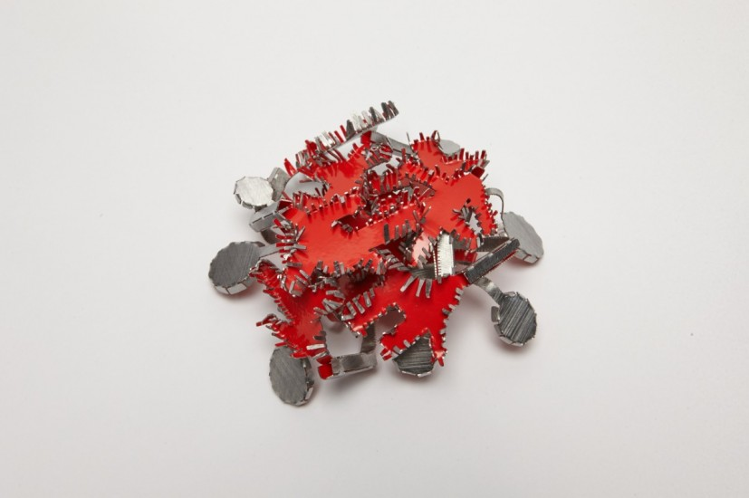 Mirjam Hiller Brooch firassia (2009) Powder-coated stainless steel. Image ©Birmingham Museums Trust.