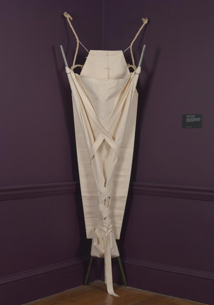 Rozanne Hawksley, Stretcher and Body Bag, 2003. Image: National Maritime Museum, Greenwich, London, courtesy of the artist