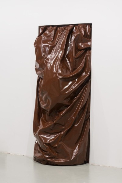 Stuck (Brown), 2010, oil and acrylic on canvas, 107 x 241 x 58.5cm, installation view 2015. Image courtesy of the artist and Centre d'Art la Panera
