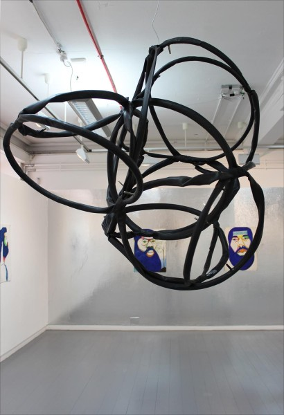 Jim Lambie, Untitled, 2016, tyres and wire, installation view, Glasgow International, 2016. IMage courtesy the artist and the Modern Institute. Photo: Berengere Chabanis