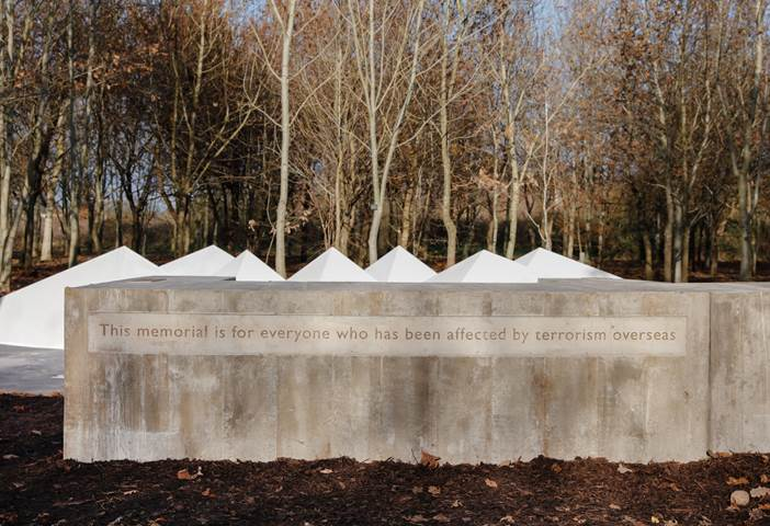 Alison Wilding and Adam Kershaw, Still Water, 2018, National Memorial Arboretum. Image courtesy of Angus Mill