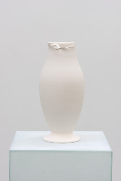 Grace Schwindt, The Tiffany Vase 2, 2014. Wood, acryl paint and porcelain, 137 x 26 x 26 cm. Image courtesy the artist.