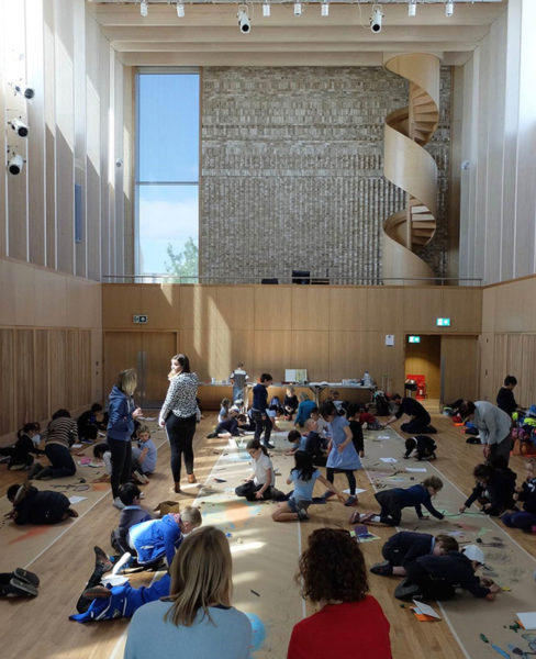 ArtScapers workshop in Storey's Field Community Centre, Eddington, 2018. ArtScapers © Cambridge Curiosity and Imagination