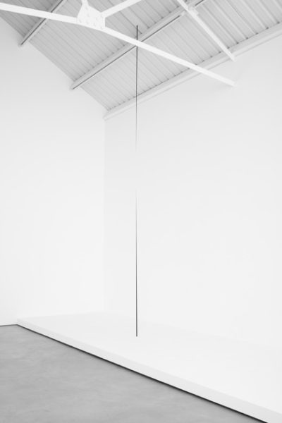 Otto Boll, Untitled, 2013, aluminium, steel, paint, 401 x 1 cm, 157 7/8 x 3/8 ins, height variable. © Otto Boll. Courtesy Axel Vervoordt Gallery, Belgium & Stuart Shave/Modern Art, London